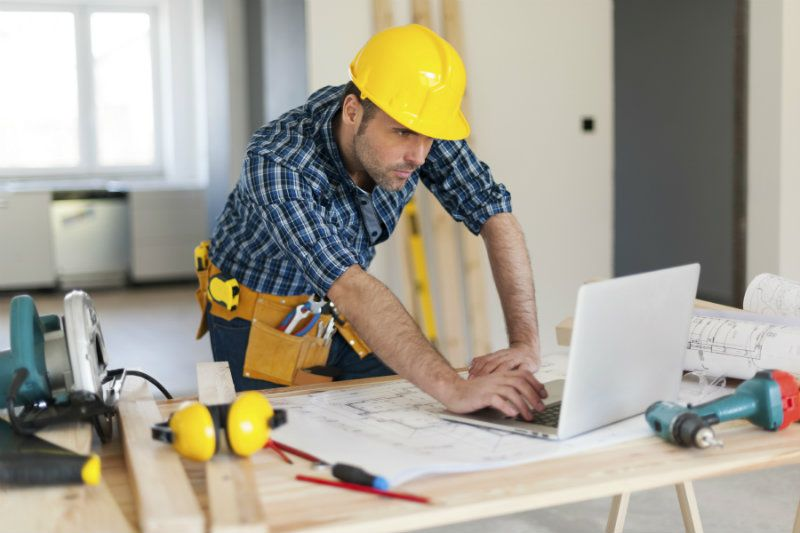 11 Useful Tips for Preparing for Your Kitchen Renovation - Consult a Contractor