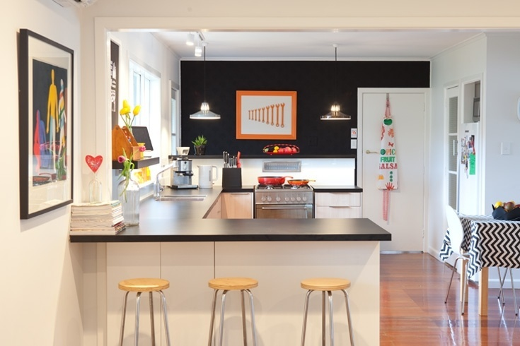 7 of the Most Popular Kitchen Layout Options for Your Home - Peninsula Kitchen