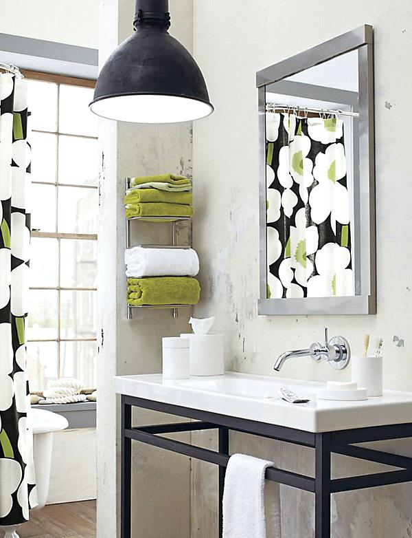 7 Ways to Maximize the Space in Your Small Bathroom Layout - Small Bathroom Towel Storage