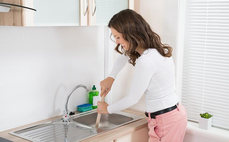 How to Unclog a Kitchen Sink Without Harsh Chemicals (5 Methods) - Unclog With a Plunger