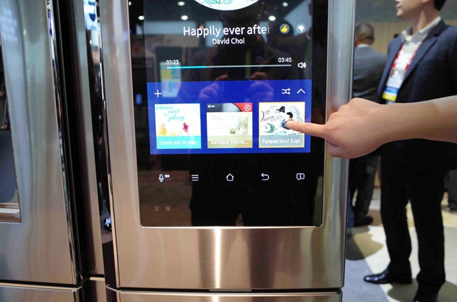 9 Hot New High-Tech Smart Kitchen Appliances - Fridge with WiFi