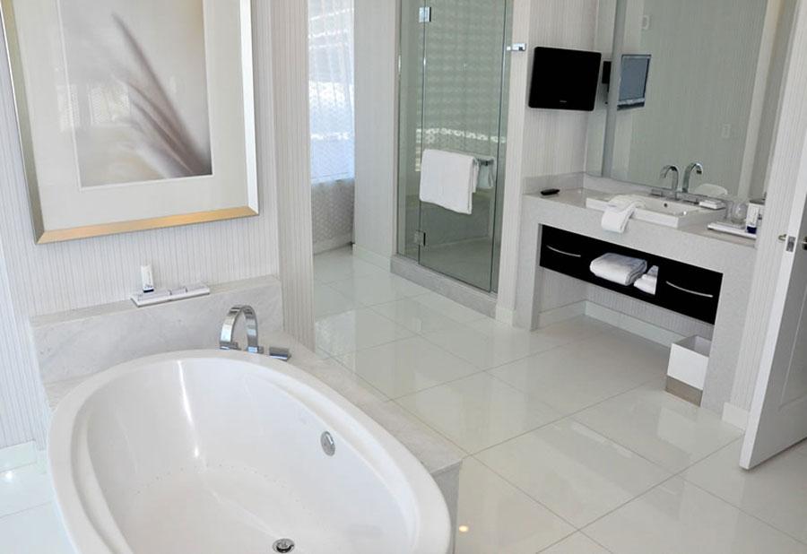 How to Create a Beautiful Hotel Bathroom at Home - Aria Sky Suite Hotel Bathroom
