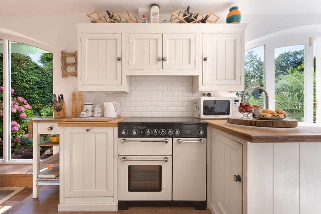 8 Different Types of Kitchen Cabinets You'll Love - Beadboard Cabinets