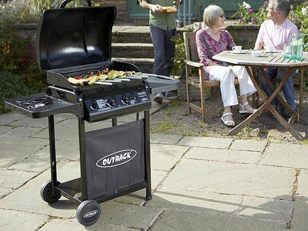 5 Essentials for the Perfect Outdoor Kitchen - Gas Barbecue