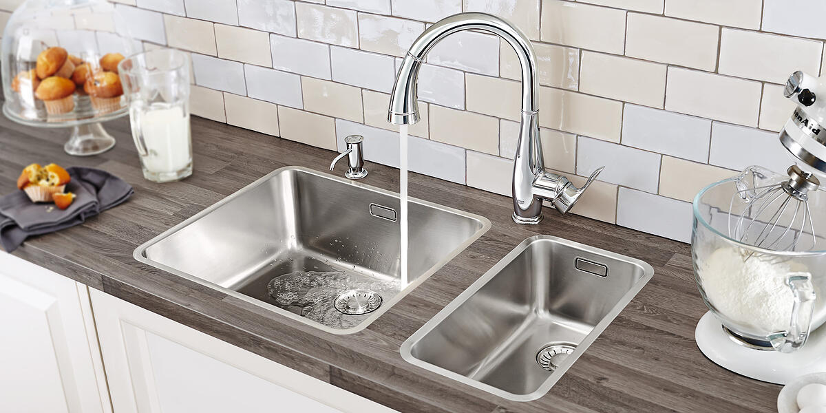 Grohe Faucet Sink and Kitchen Backsplash