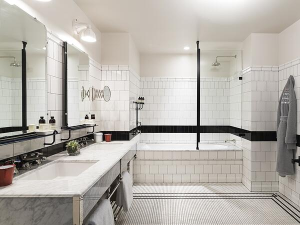 How to Create a Beautiful Hotel Bathroom at Home - Arrange the Room Artfully