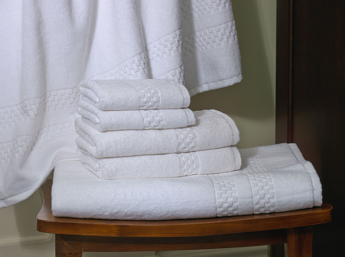 How to Create a Beautiful Hotel Bathroom at Home - Upgrade Your Towels