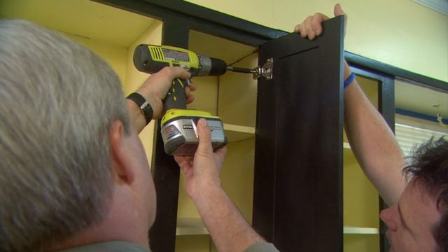 Refacing Kitchen Cabinets for Beginners – 8 Simple Tips - Installing Cabinet Doors