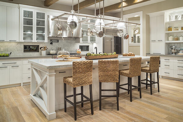 Consider These Pros and Cons Before Opting for a Kitchen Island