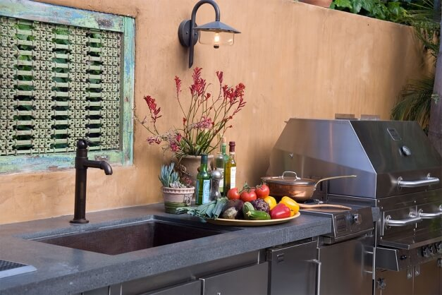 5 Essentials for the Perfect Outdoor Kitchen - Outdoor Sink
