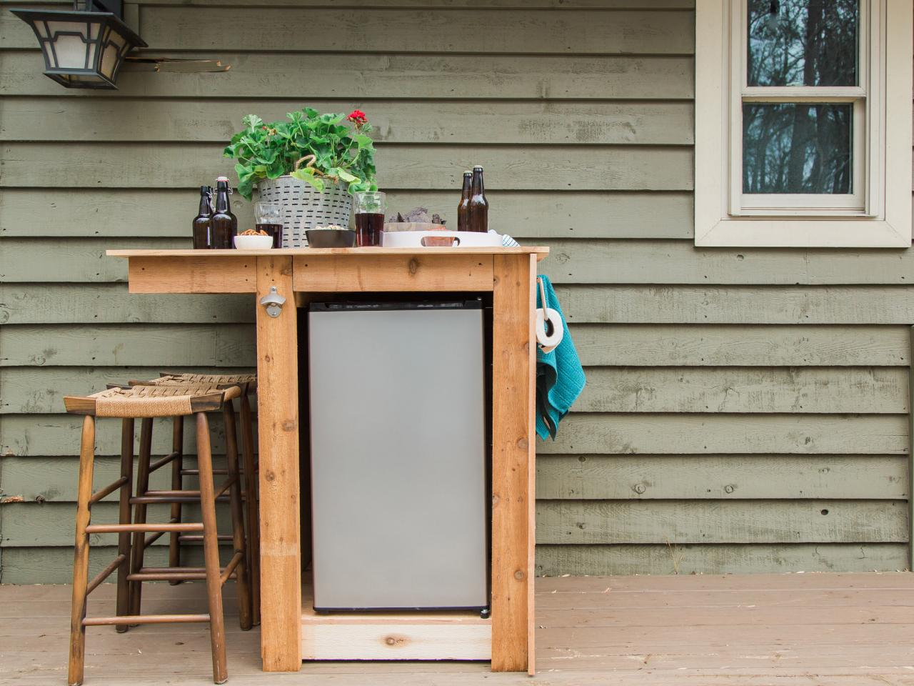 5 Essentials for the Perfect Outdoor Kitchen - Add a Fridge