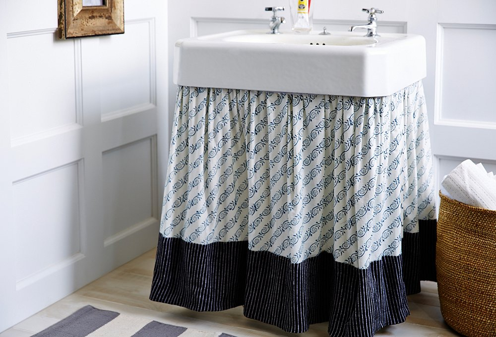 7 Genius Pedestal Sink Storage Ideas for Your Home - Put Up a Curtain