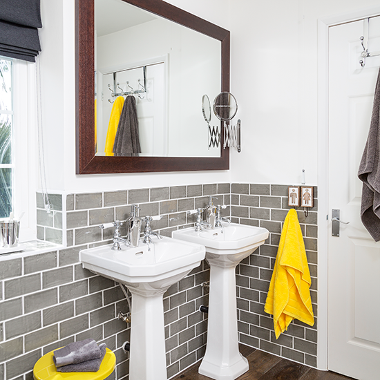 Liven Up Your Home With These Bathroom Colours - Pop of Colour in Bathroom