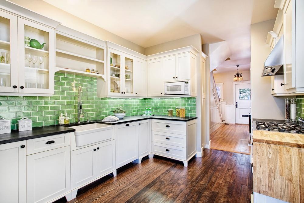 6 Unique Kitchen Backsplash Ideas That Provide Protection - Tiled Backsplash