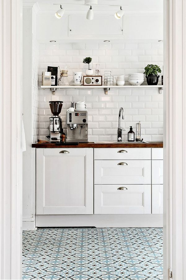 Kitchen Tiles - How to Use Them in Your Home - Patterned Tile Floors in Kitchen