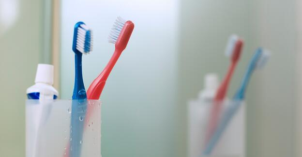 How to Keep Your Bathroom Sink Clean and Hygienic - Brush Your Teeth Face Down