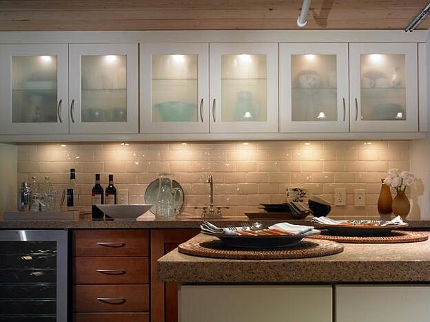 Treat Yourself to One of These 11 Kitchen Luxuries - Under Cabinet Lighting