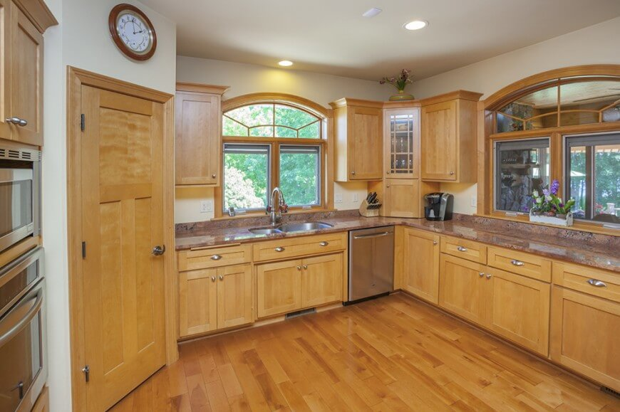 Choosing Kitchen Cabinets - Materials, Styles, and Hardware Guide - Solid Wood Cabinets