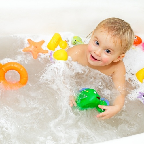 A-kidfriendly-bathroom-can-grow-to-suit-their-changing-needs-_16001529_40043065_0_14049847_500