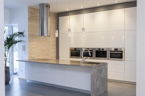 Neutral-shades-can-help-a-kitchen-look-modern_16001529_40044146_0_14090019_500