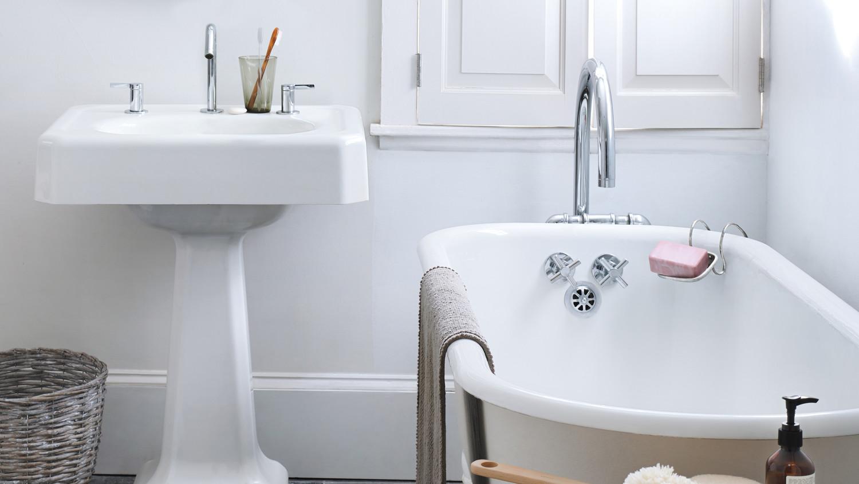 clean a bathroom like a pro