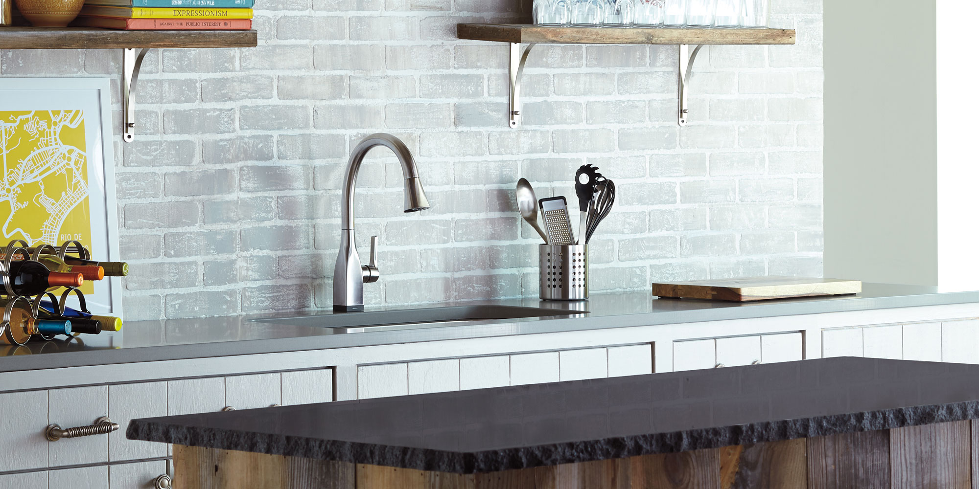 How Does a Touchless Kitchen Faucet Work?