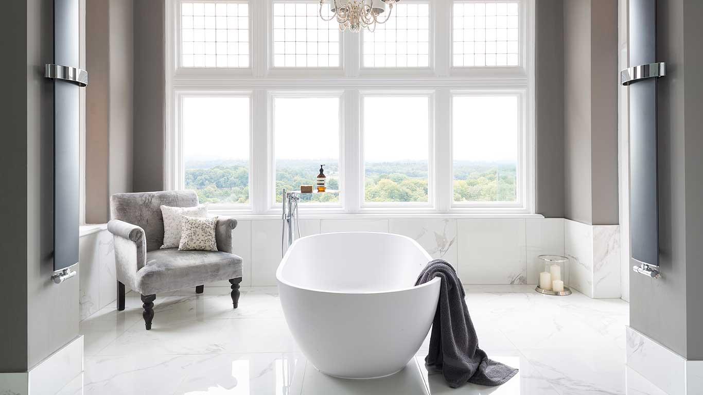 4 Ways to Create a Luxury Bathroom on a Tight Budget
